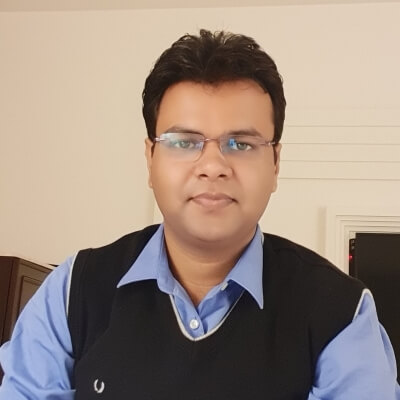Dr. Puneet Walia (PhD, Management)